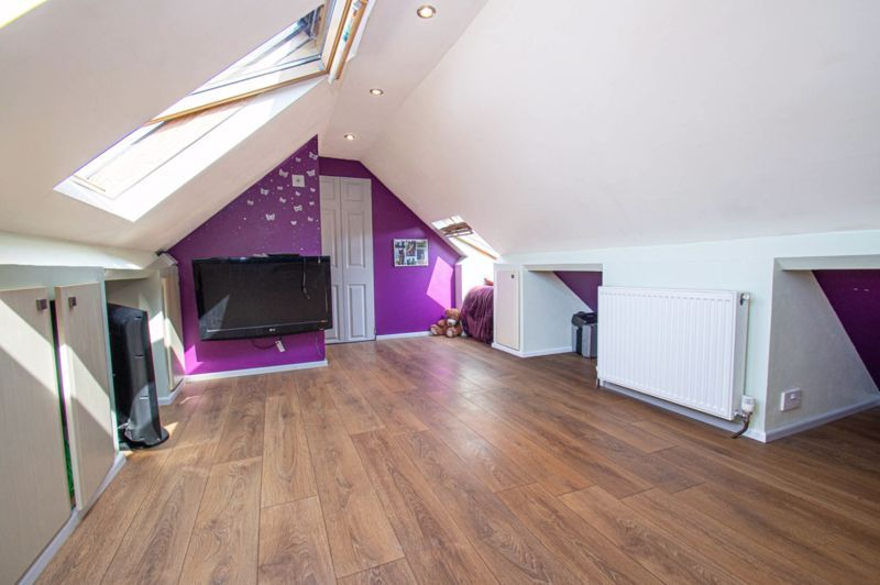 4 bed house for sale in Oak Street  - Property Image 19