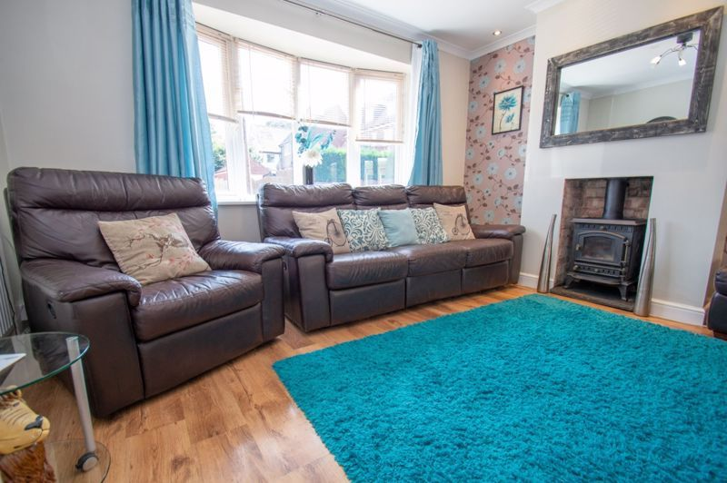 4 bed house for sale in Oak Street  - Property Image 3