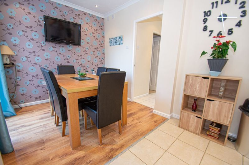 4 bed house for sale in Oak Street  - Property Image 9