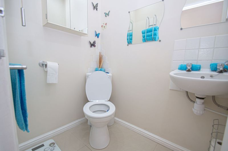 4 bed house for sale in Oak Street  - Property Image 10