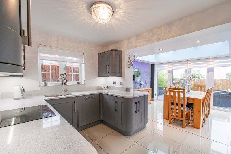 3 bed house for sale in Hoveton Close  - Property Image 14