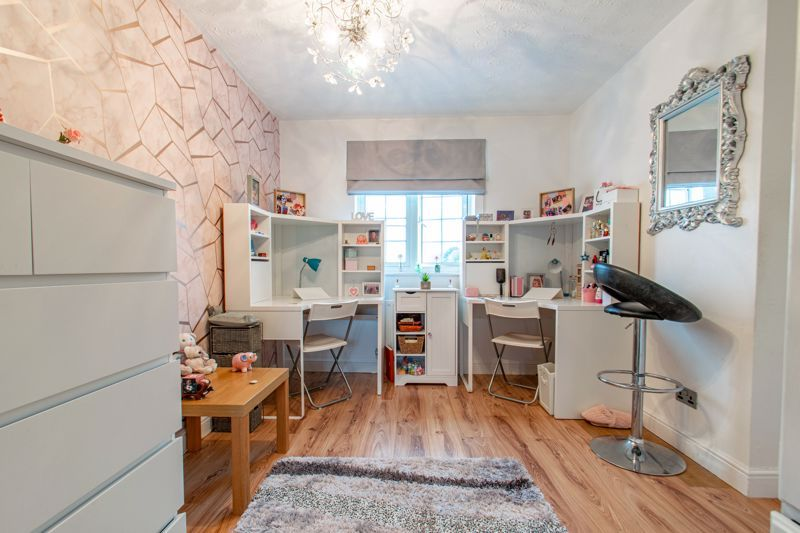 3 bed house for sale in Hoveton Close 10