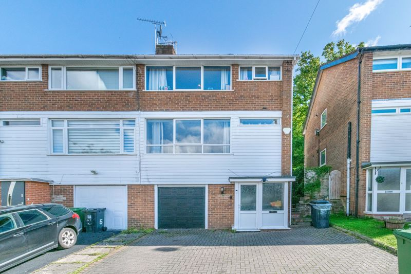 3 bed house for sale in Ferney Hill Avenue  - Property Image 1