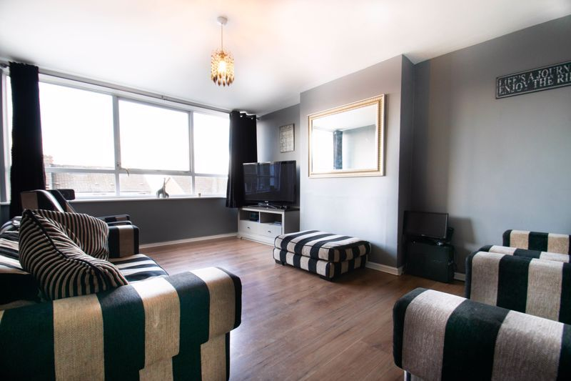 3 bed house for sale in Ferney Hill Avenue 2