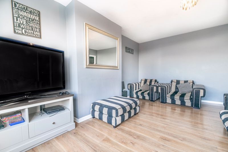3 bed house for sale in Ferney Hill Avenue 4