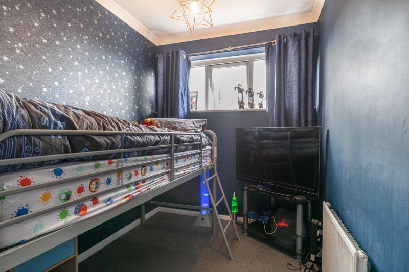 3 bed house for sale in Ferney Hill Avenue 5