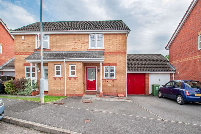 2 bed house for sale in Marchwood Close 1