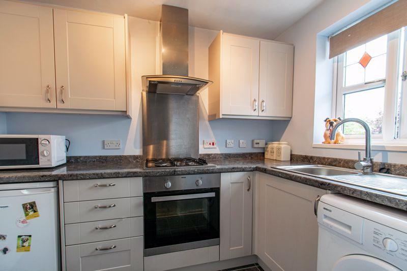 2 bed house for sale in Marchwood Close 3