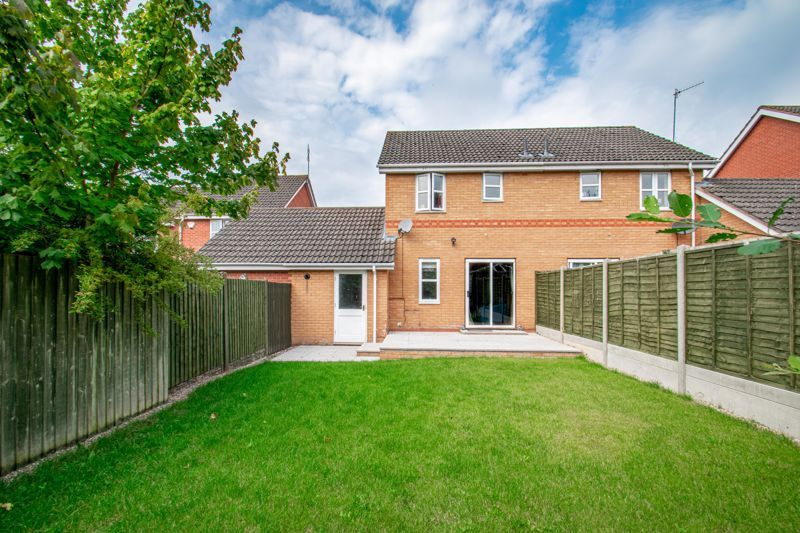 2 bed house for sale in Marchwood Close 9