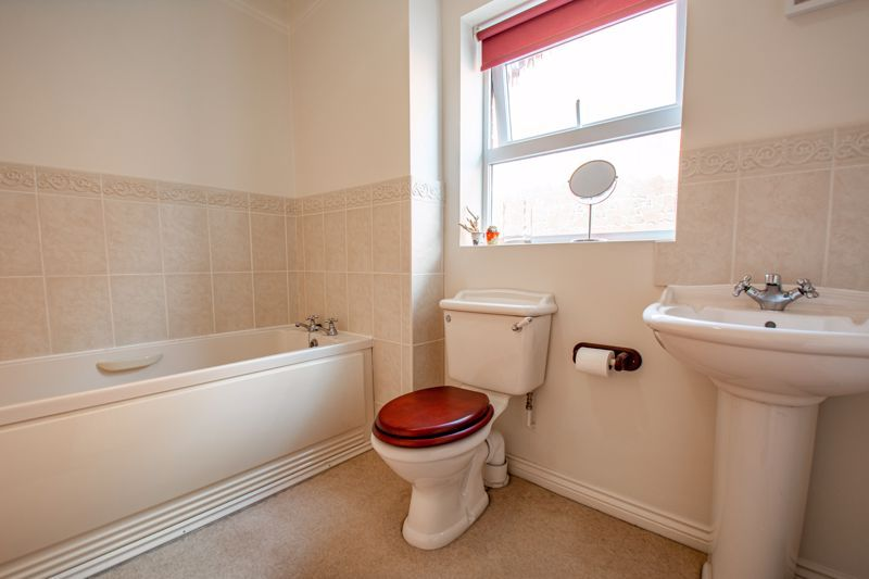 5 bed house for sale in Royal Worcester Crescent  - Property Image 15