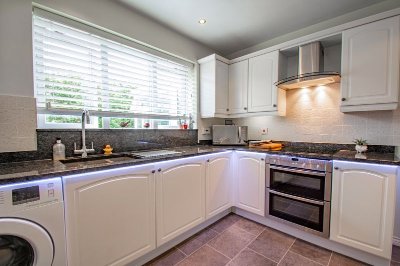 5 bed house for sale in Royal Worcester Crescent 18