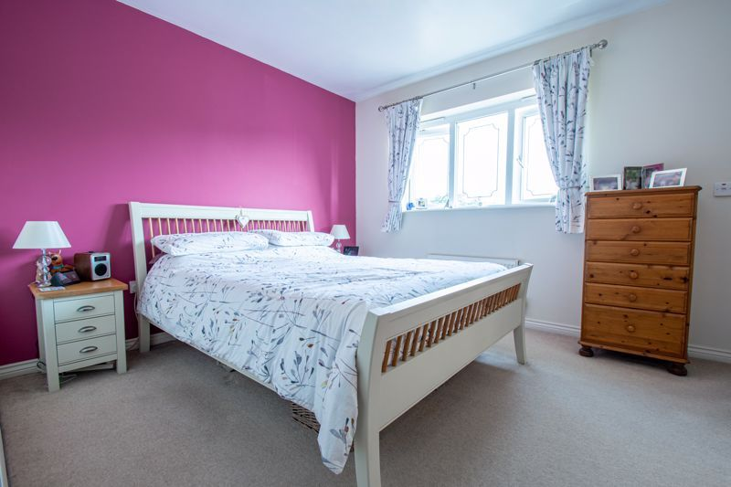 5 bed house for sale in Royal Worcester Crescent 9