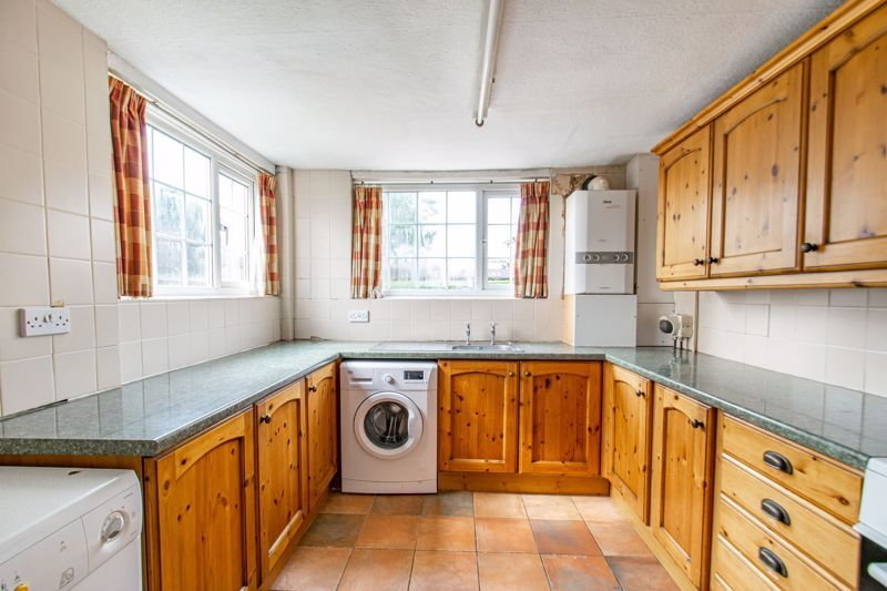 2 bed house for sale in Alcester Road 4