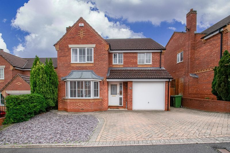4 bed house for sale in Shireland Lane 1