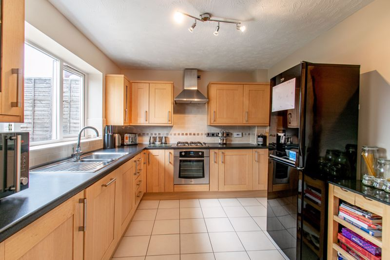 4 bed house for sale in Shireland Lane  - Property Image 4