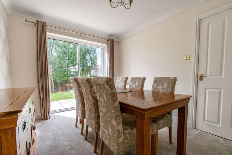 4 bed house for sale in Shireland Lane 5