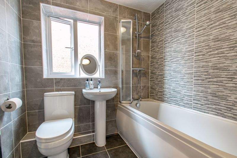 4 bed house for sale in Shireland Lane  - Property Image 8