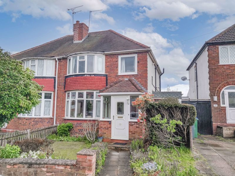 3 bed house for sale in Sandfields Road  - Property Image 1
