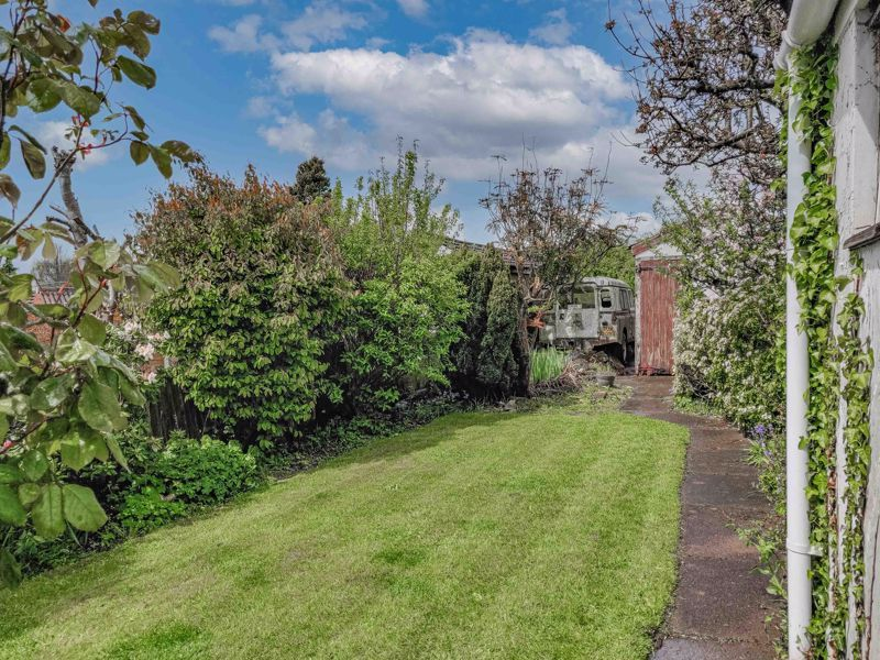 3 bed house for sale in Sandfields Road 11