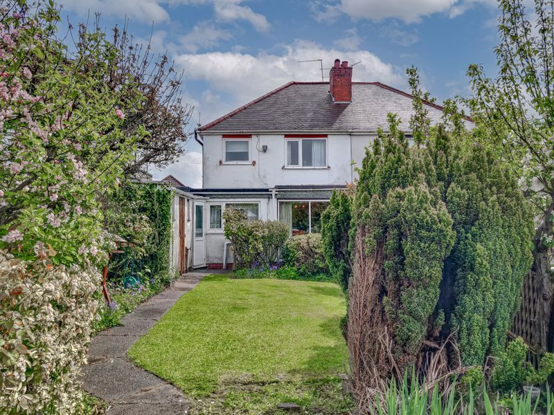 3 bed house for sale in Sandfields Road 12