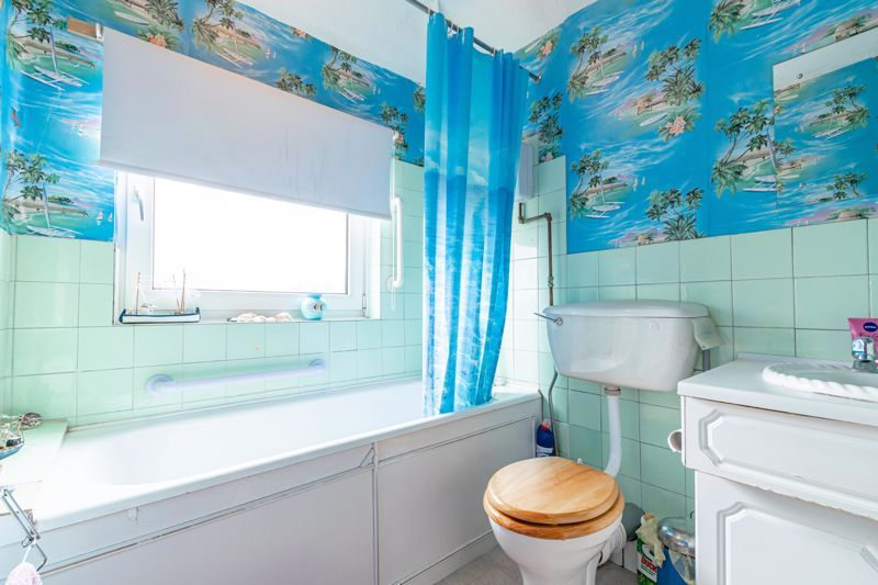 3 bed house for sale in Sandfields Road 10