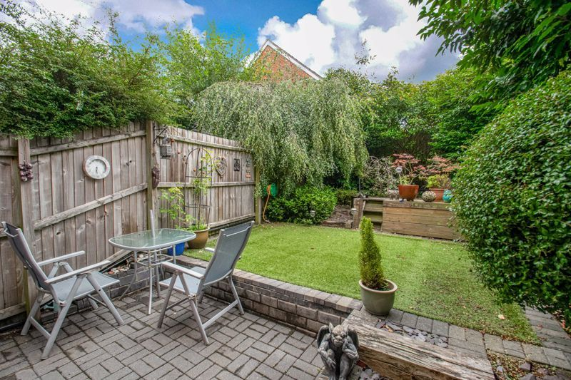 4 bed house for sale in Dixon Close 13