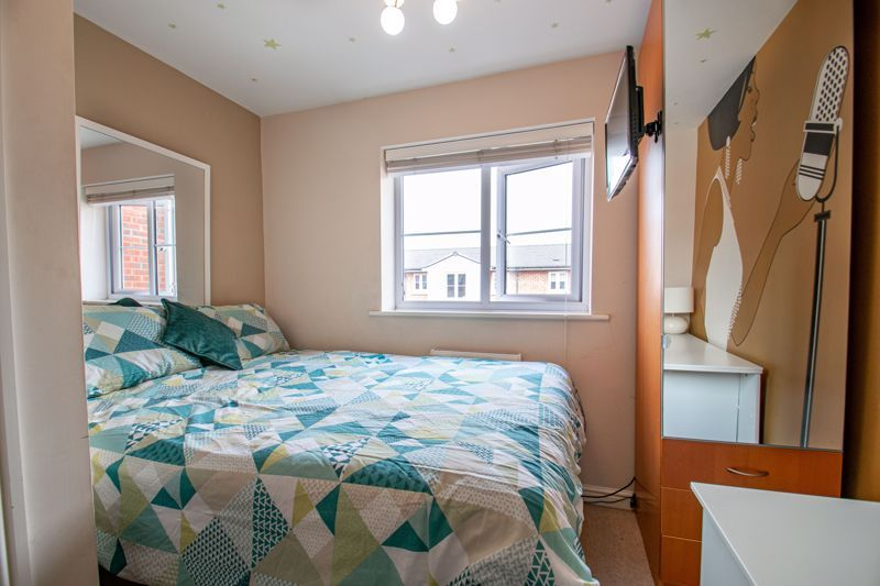 4 bed house for sale in Dixon Close  - Property Image 10