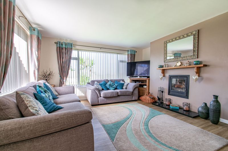 4 bed house for sale in Western Hill Close  - Property Image 2