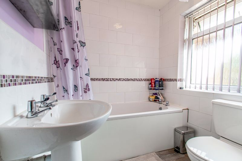 4 bed house for sale in Western Hill Close  - Property Image 11