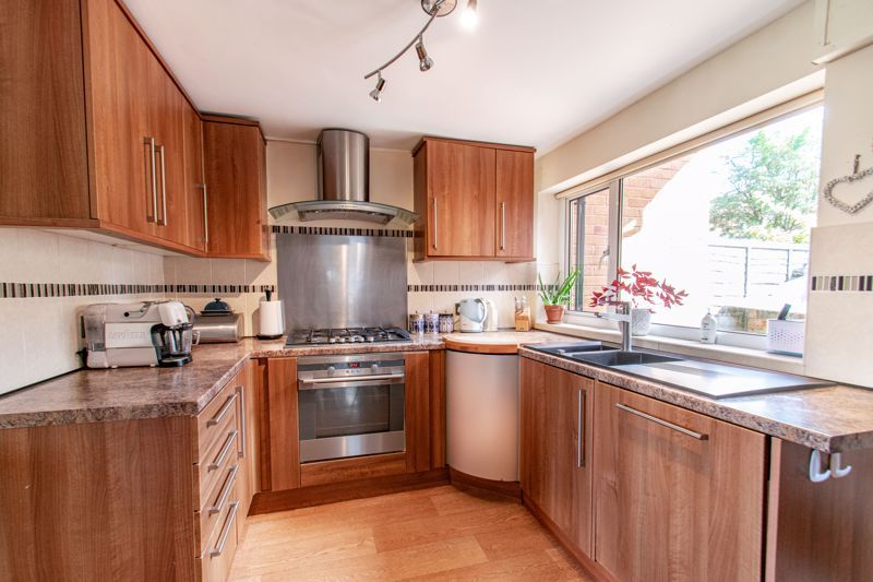 4 bed house for sale in Western Hill Close  - Property Image 4