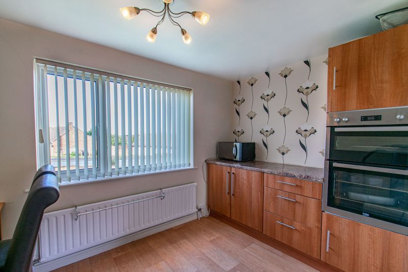 4 bed house for sale in Western Hill Close 5