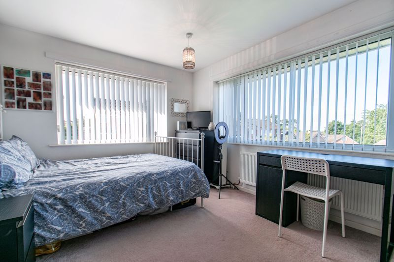 4 bed house for sale in Western Hill Close  - Property Image 9