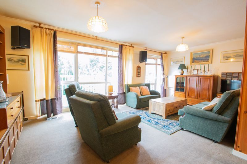 4 bed house for sale in Chawn Park Drive 2