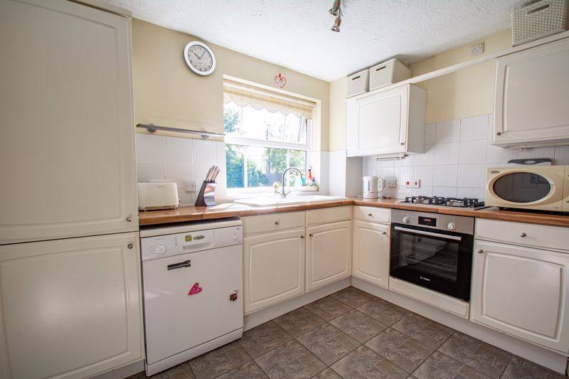 4 bed house for sale in Harbours Close  - Property Image 15
