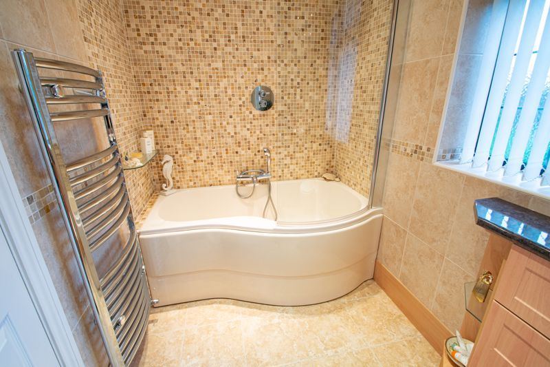4 bed house for sale in Windermere Drive 11