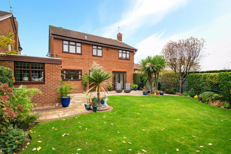 4 bed house for sale in Windermere Drive 13