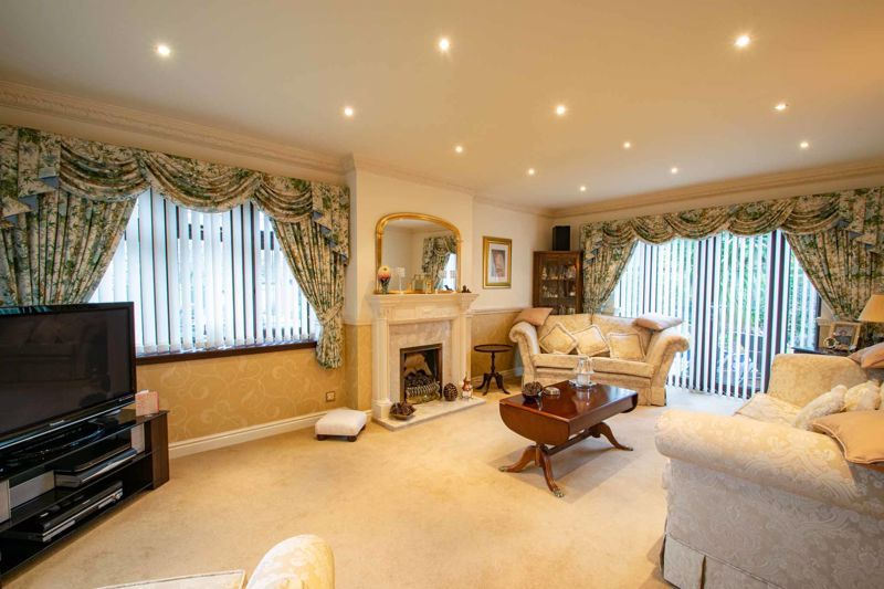 4 bed house for sale in Windermere Drive 14