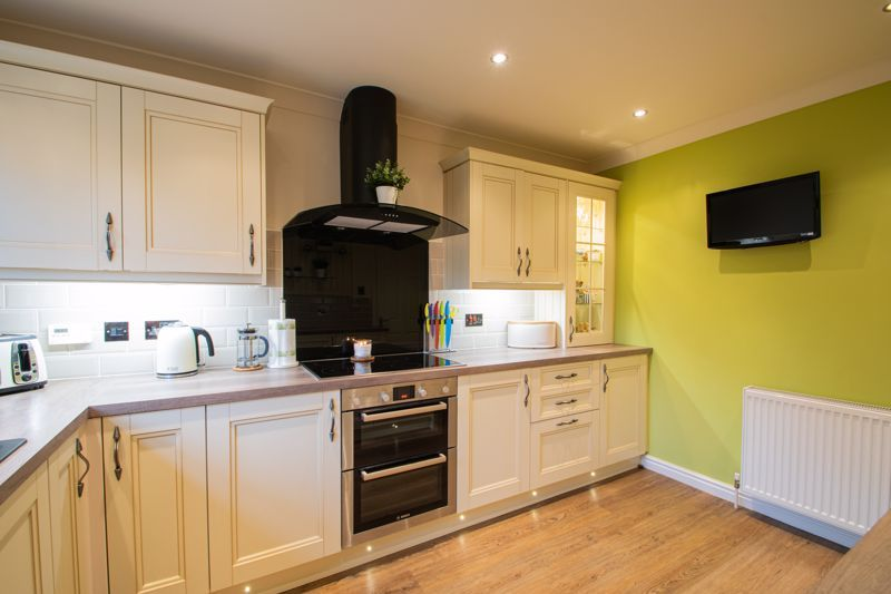 4 bed house for sale in Windermere Drive 16