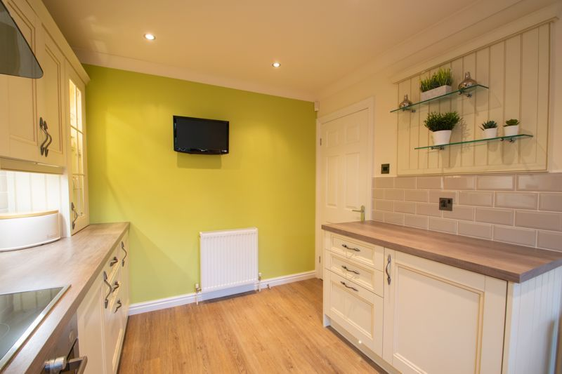 4 bed house for sale in Windermere Drive 17