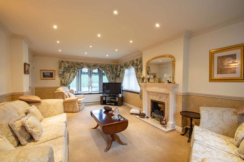4 bed house for sale in Windermere Drive  - Property Image 3