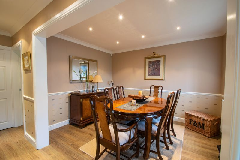 4 bed house for sale in Windermere Drive 4