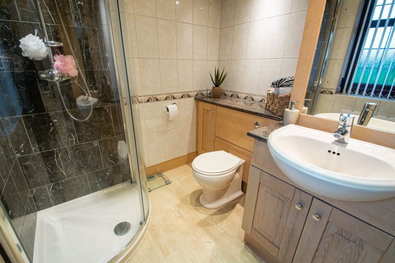 4 bed house for sale in Windermere Drive 8