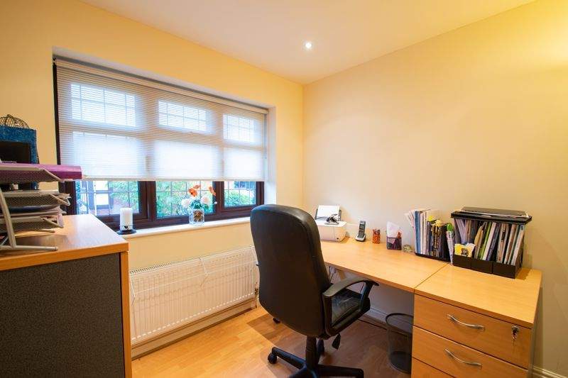 4 bed house for sale in Windermere Drive 10