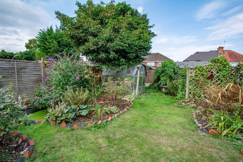 3 bed house for sale in Moorfield Drive 13