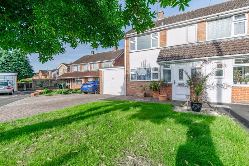 3 bed house for sale in Moorfield Drive 15