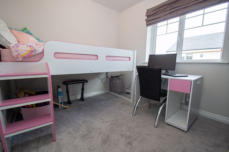 4 bed house for sale in Dawn Close 11
