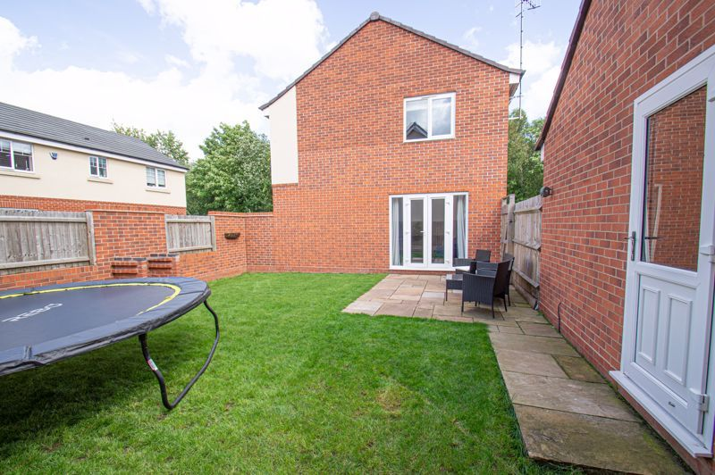 4 bed house for sale in Dawn Close  - Property Image 13