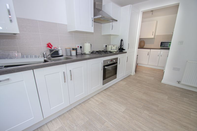 4 bed house for sale in Dawn Close 15