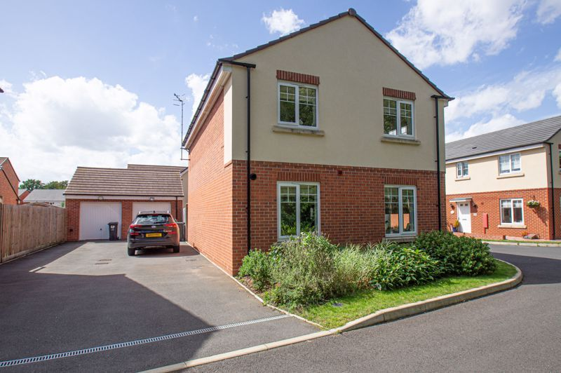 4 bed house for sale in Dawn Close  - Property Image 19