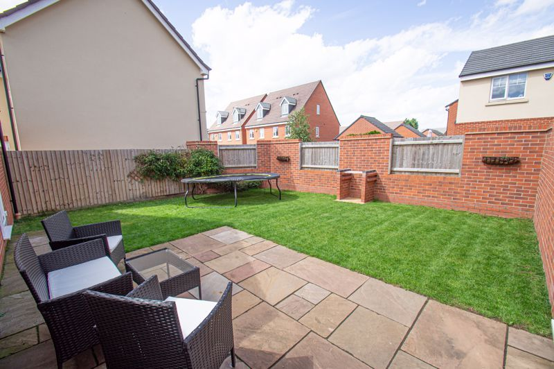 4 bed house for sale in Dawn Close 20
